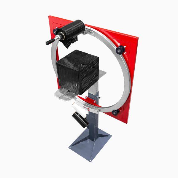 Ukážka zabalenej kartónovej zásielky - Ovinovací baliaci stroj Wrapping Ring s manuálnou obsluhou (WR1050T, WR1400T)