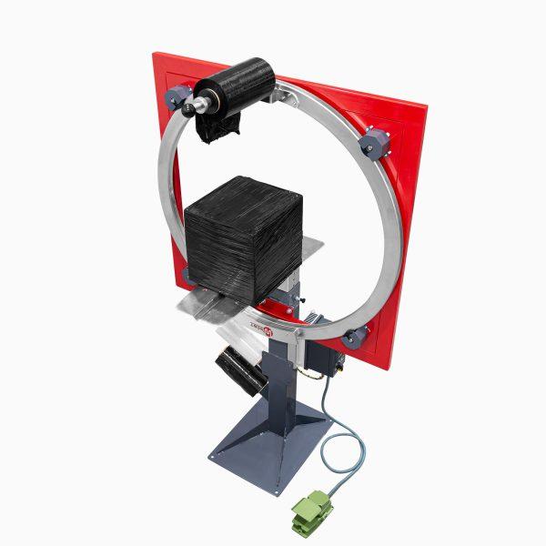 Ukážka zabalenej kartónovej zásielky - Motorizovaný ovinovací baliaci stroj Wrapping Ring (WR1050M, WR1400M)